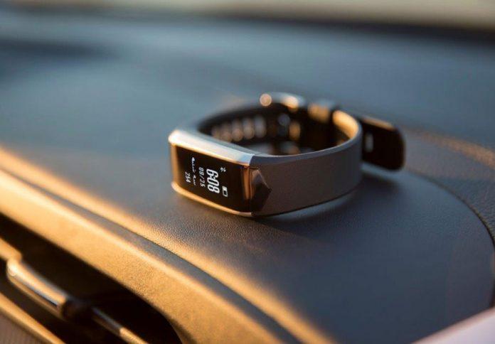 ساعت هوشمند خودروی x55